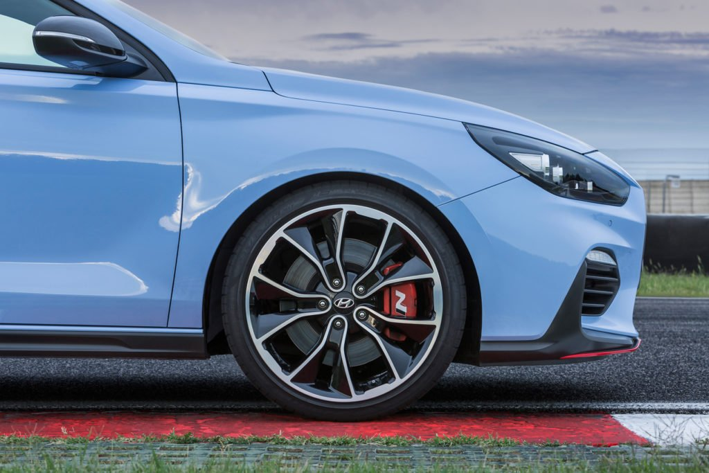 All-New-Hyundai-i30-N-front-wheel-right_