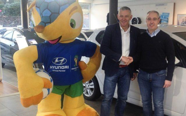 Michael Johnen Hauptsponsor der Jugend des FC Eupen